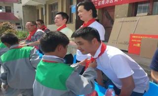 建设希望小学,参与青少年公益活动
